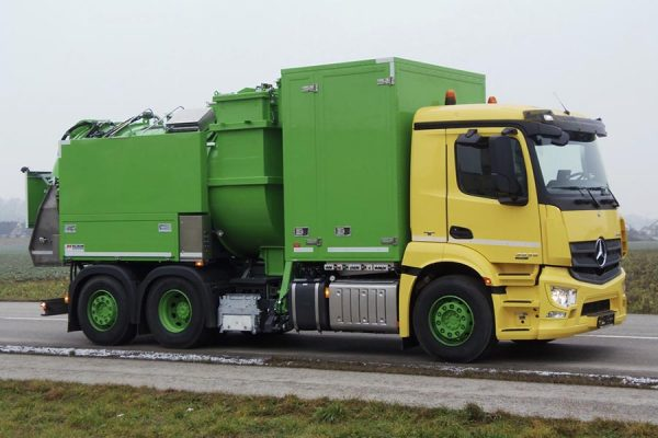Kitchen waste vehicle